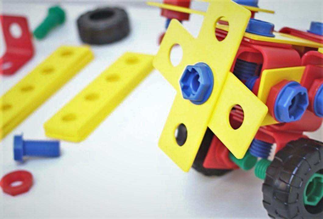 Produzione Giocattoli In Plastica.Fabbrica Giocattoli Made In Italy Famosa Nel Mondo Compro Vendo